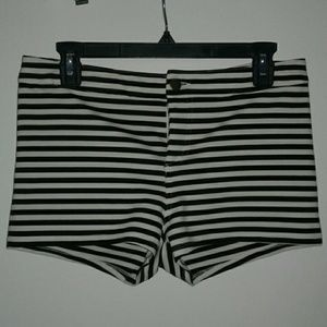 🌻F21 High Waist Striped Shorts